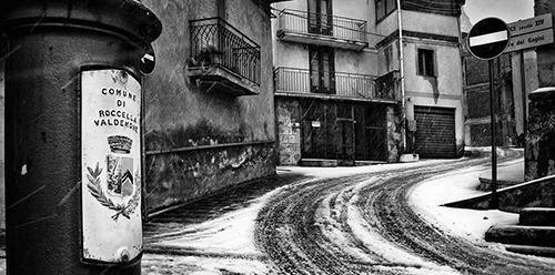 01 Rogika Roberto Mendolia (Copertina)
