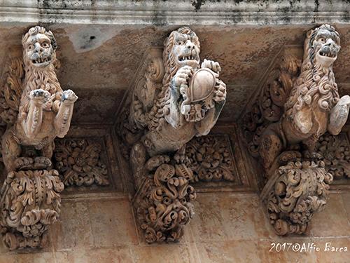 Noto - Palazzo Nicolaci di Villadorata Particolare del Balcone dei Leoni_Alfiio Barca