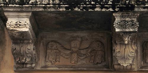 Palazzolo Acreide - Mensole di un balcone_Francesco D'Arrigo